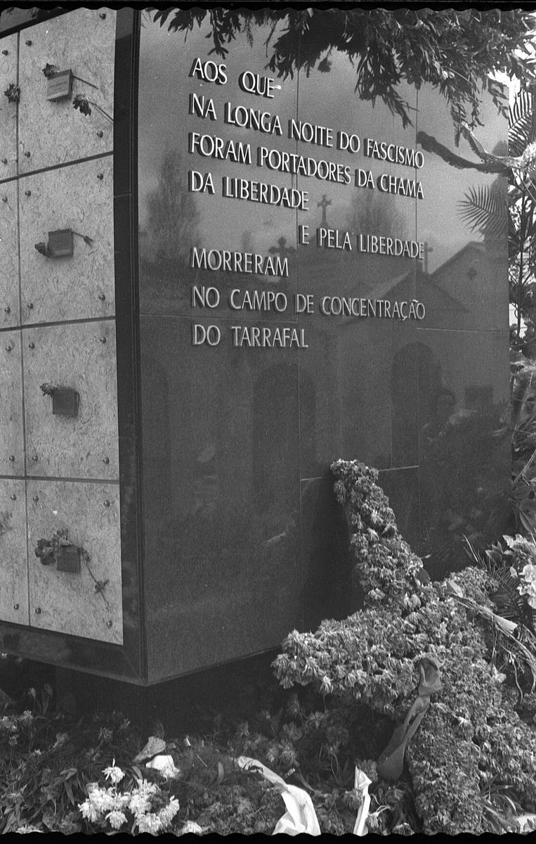 TRANSLADAÇÃOdosTARRAFALISTASparaMAUSOLEUnoALTOdeS_JOAO_NEG32_RD