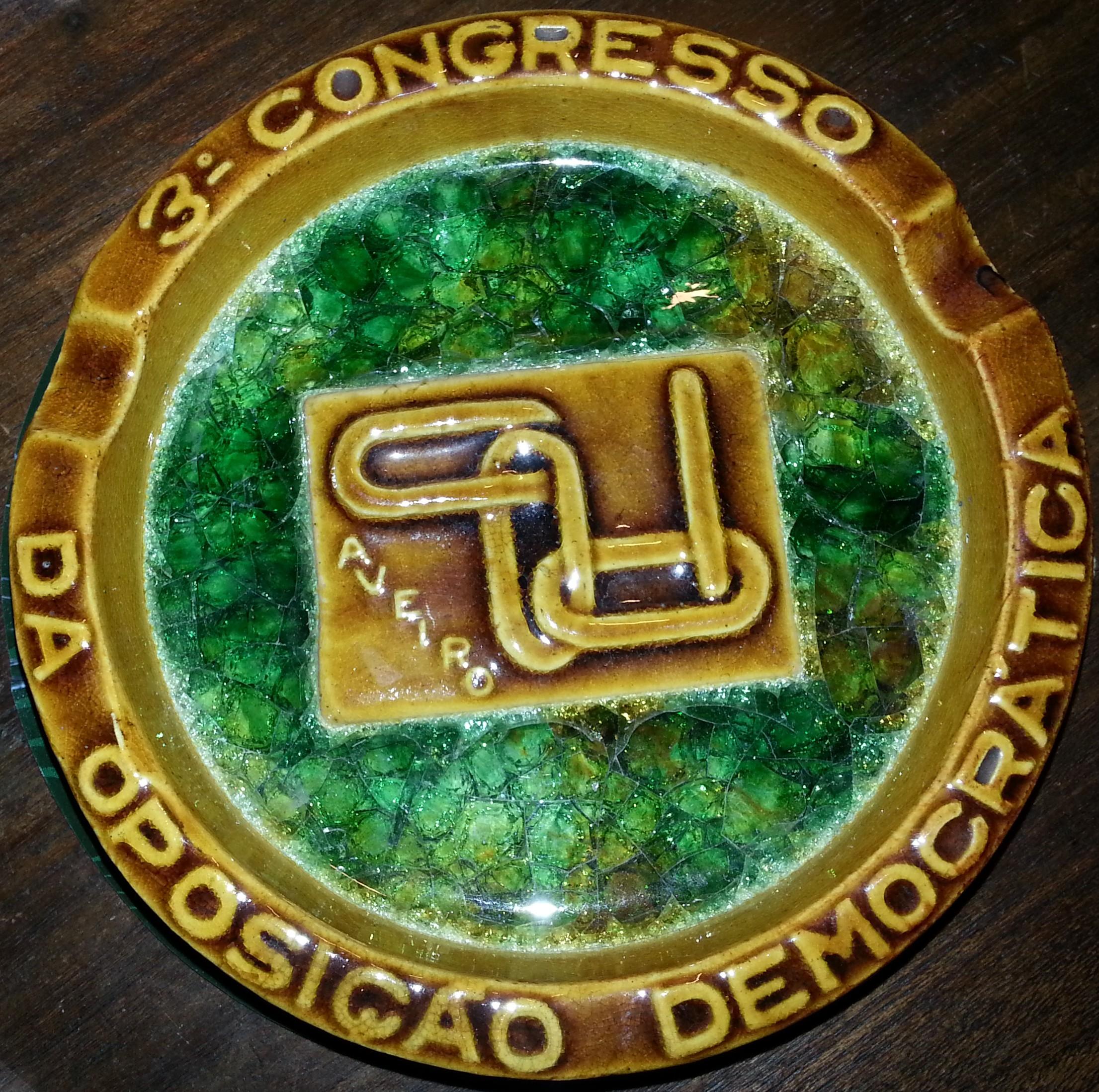3_Congr_Oposicao_Democ_cinzeiro